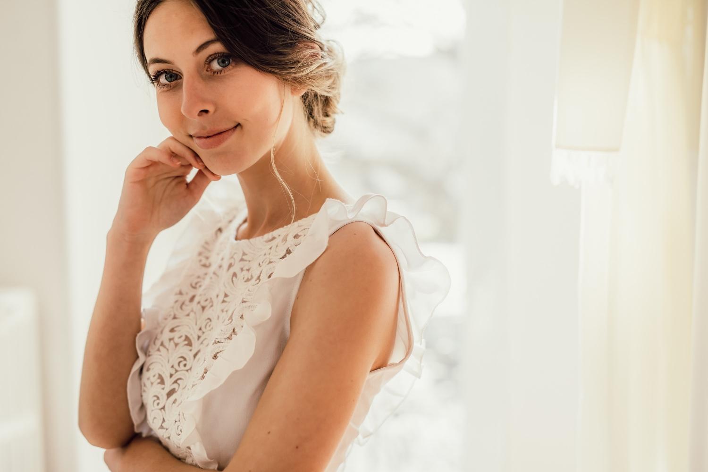 Collection civile : Robes de mariée sous le signe de la simplicité et de la délicatesse