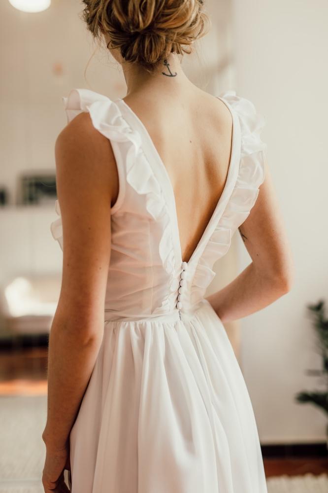 Collection civile : Robe de mariée dos nu volants