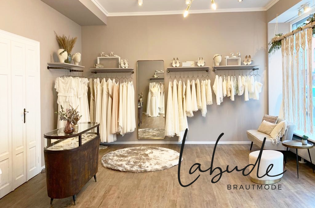 Point de vente : Labude Bridal Alteburger Str 40 50678 COLOGNE GERMANY